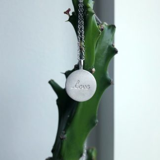 Halskæde - LOVE - silver fra WIOGA